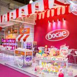 No espaço The Candy Show da Expo Parques e Festas estande e mesas de festa temáticos