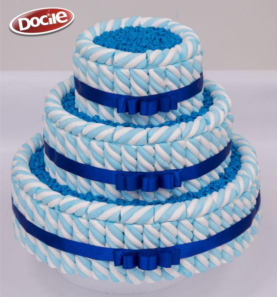 Bolo de MaxMallows Twist azul e branco