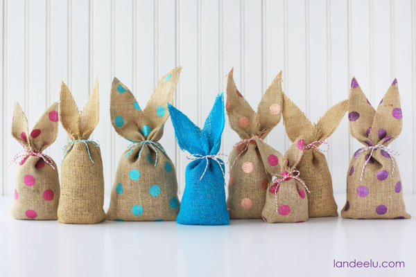 Easy-Burlap-Bunnies-polka-dot3
