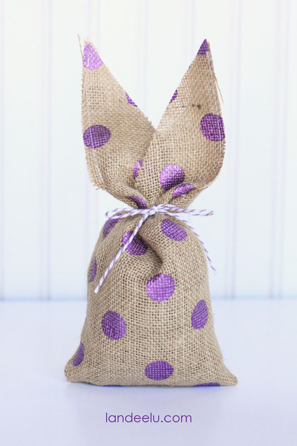 Easy-Burlap-Easter-Bunnies2